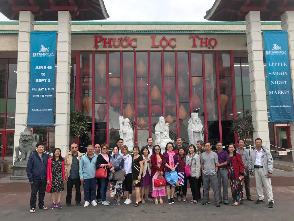 Đoàn khách Du Lịch Việt Mỹ tại Phước Lộc Thọ